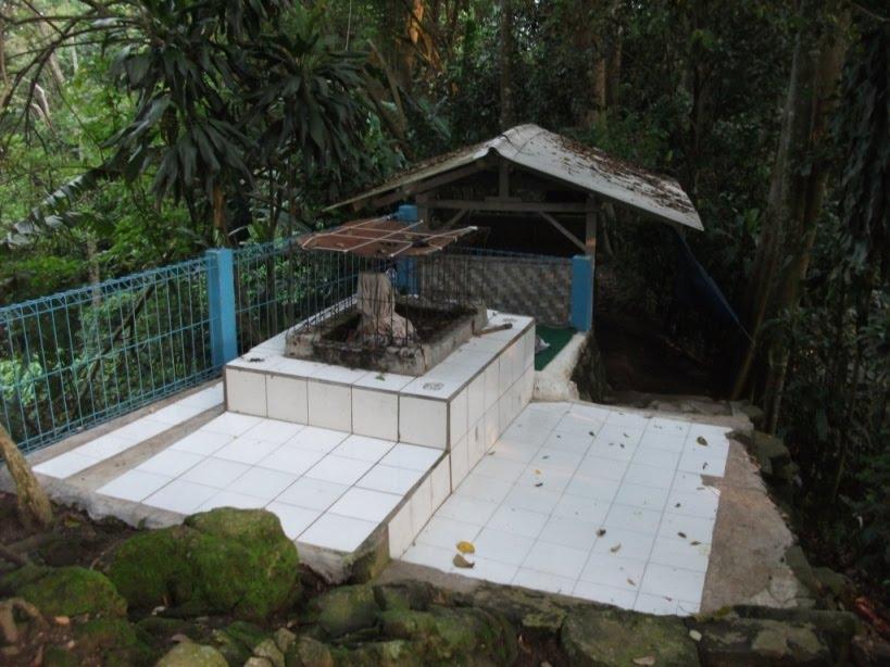 Kuburan Keramat