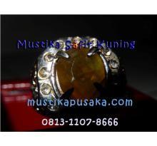 Batu Mulia ( Mustika Safir Kuning Istimewa  )